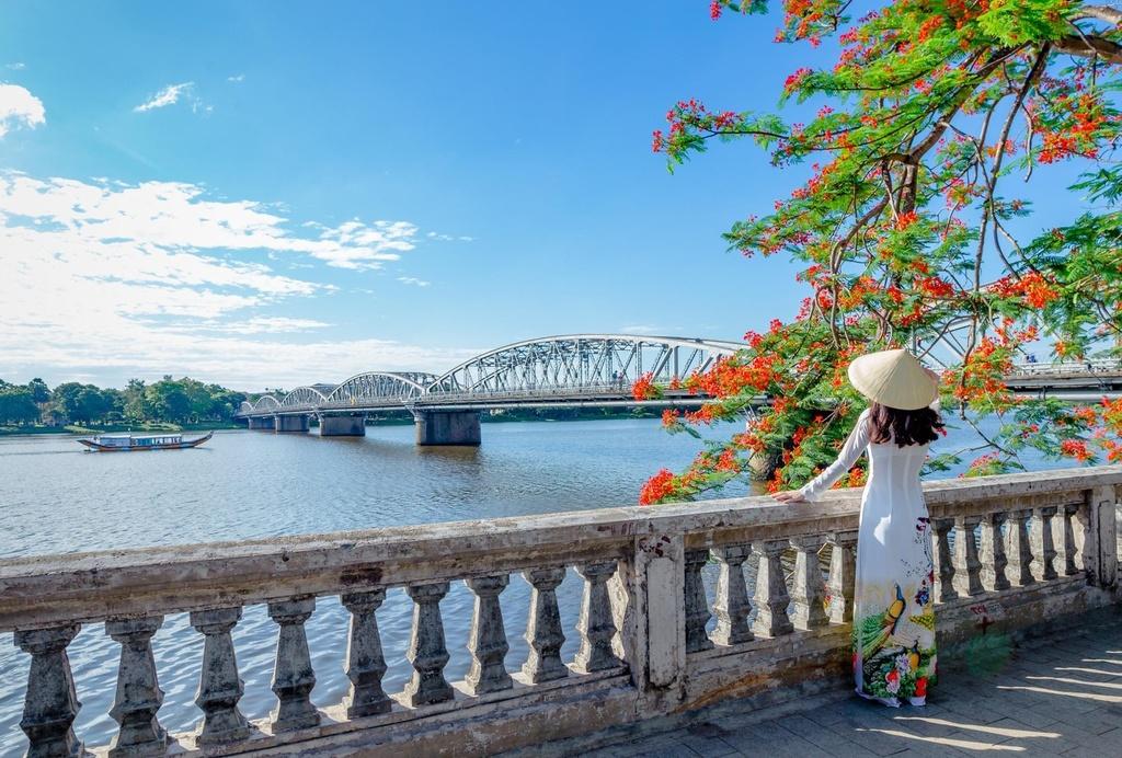 1603719137_960_4-diem-view-dep-ngam-song-Huong-xu-Hue